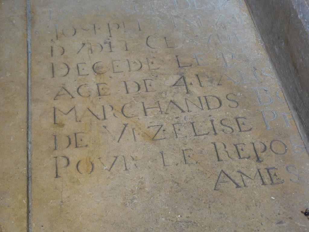 Pierre tombale dans l'église de Vézelise